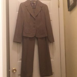 Ann Taylor Fall/Winter Pant suit